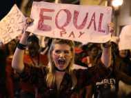 आईसलैंड में पुरुषों को महिलाओं से ज्यादा सैलरी देना हुआ अवैध, समान वेतन पर कानून नए साल से लागू