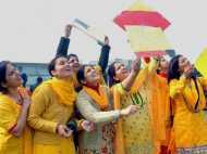 Basant Panchami 2018: आखिर बसंत पंचमी में क्यों पहनते हैं पीले वस्त्र, क्या है इसके पीछे का राज?