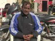 कानपुर: चेकिंग के नाम पर 'पुलिसवाले' ने व्यवसायी से लूट लिए 12 लाख, देखिए VIDEO