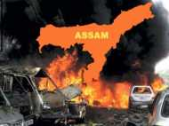 असम में तीन बम धमाके, पुलिस गोलीबारी में दो की मौत