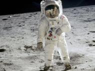 चांद पर भी होगा मोबाइल नेटवर्क, वोडाफोन-नोकिया कर रहे हैं काम