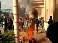 ओडिशा: पुलिस कस्डटी में युवक की मौत के बाद उग्र भीड़ ने थाने पर किया हमला, 10 पुलिसकर्मी समेत 30 घायल