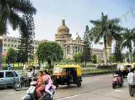 Cauvery verdict: तमिलनाडु बॉर्डर पर रोकी गईं बसें, कर्नाटक में एलर्ट जारी