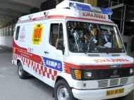 यूपी: चलती एंबुलेंस में खत्म हो गया ऑक्सीजन सिलेंडर, बीच रास्ते में मरीज की मौत
