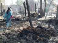 कन्नौज के गांव में अचानक लगी भीषण आग में 20 घर जलकर राख