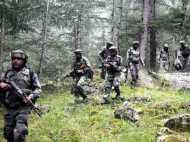 पुलवामा में सेना-आतंकियो के बीच एनकाउंटर जारी, एक जवान घायल