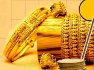शादी के सीजन में सोना हुआ सस्ता, चांदी के दामों में 850 रुपए तक की गिरावट