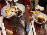 Video: खाने से पहले प्लेट में उछलकर भागी मछली, निकल गई लोगों की चीख