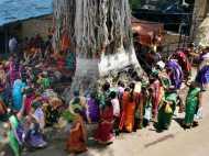 Vat Savitri Vrat 2018: वट सावित्री व्रत का शुभ मुहूर्त, कथा एवं पूजा विधि