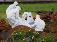 निपाह वायरस से मरे लोगों का अंतिम संस्कार करने से डर रहे हैं परिजन, डॉक्टरों ने ली ये भी जिम्मेदारी