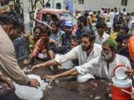 पाकिस्तान में पारा पहुंचा 50 के पार, गर्मी इतनी कि बेहोश हो रहे हैं लोग