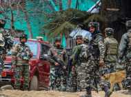 J&K: कुलगाम में सेना की आतंकियों में मुठभेड़, लश्कर कमांडर समेत 2 आतंकी ढेर