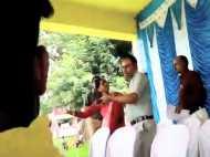 VIRAL वीडियो: पूर्व जिला अध्यक्ष ने सीईओ को भरी सभा में जड़ा थप्पड़