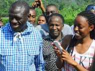 युगांडा ने नागरिकों पर लगाया सोशल मीडिया टैक्स, व्हाट्सएप यूज करने पर हर दिन देना होगा 4 रुपया टैक्स