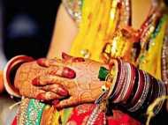 फेरे लेकर भाग गई दुल्हन, दूल्हे की जिद पर शादी में आई लड़की से कराई गई शादी
