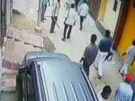कानपुर: प्लॉट पर कब्जे को लेकर हुई फायरिंग, सीसीटीवी में कैद हुई वारदात