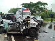 पुणे: दो कारों की टक्कर में सात लोगों की मौत, तीन घायल