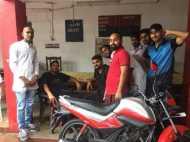 अमित शाह को काले झंडे दिखाने जा रहे सपा कार्यकर्ता पुलिस हिरासत में