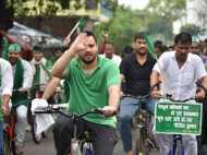 लालू के बेटे तेजस्वी यादव ने 35 किलो मीटर बाद इस वजह से रोकी साइकिल यात्रा