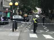 ब्रिटेन: ब्रिटिश संसद वेस्टमिंस्टर के बाहर बैरियर्स से टकराई कार, पुलिस ने कहा आतंकी हमला