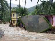 Kerala floods: केरल में भारी बारिश से भयंकर तबाही, अब तक 37 लोगों की मौत, रेड अलर्ट जारी