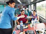 रेलयात्री ध्यान दें! ट्रेन में चाय-कॉफी भी हुए महंगे, जानिए कितने बढ़े दाम