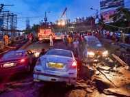कोलकाता में माझेरहाट फ्लाईओवर गिरा: तस्वीरें देख सन्न रह जाएंगे आप