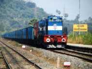 रेलवे कर्मचारियों के लिए कल बड़ा दिन, 18000 रुपए के बोनस पर कैबिनेट लेगी फैसला