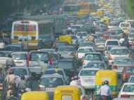 आज से दिल्ली में गाड़ियों पर लगेंगे लाइट ब्लू और ऑरेंज स्टीकर, जानिए क्यों