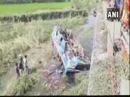पश्चिम बंगाल: हुगली जिले में नहर में गिरी बस, 6 की मौत, 22 घायल