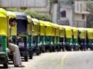 सोमवार को दिल्ली में ऑटो रिक्शा और टैक्सी ड्राइवर हड़ताल पर