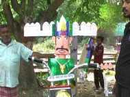 यूपी के इस शहर में लगती है रावण की सबसे बड़ी मंडी, 100 रूपए से लेकर 50 हजार तक है दाम