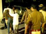 सीतापुर के बाद अब लखनऊ में वकीलों ने मचाया उत्पात, थाने के अंदर पीटा गया युवक