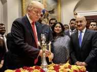 अमेरिकी राष्ट्रपति डोनाल्ड ट्रंप ने व्हाइट हाउस में दीया जलाकर मनाई दिवाली, भारत को बताया व्यापार का अच्छा वार्ताकार