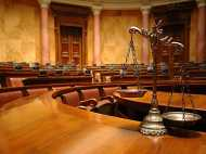 सीतापुर में दरोगा को पीटने वाले 12 वकीलों के खिलाफ केस हुआ दर्ज