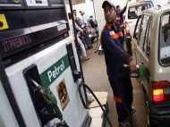 मोदी के मंत्री ने बताई, बिना टैक्स और कमीशन के दिल्ली में कितनी होगी पेट्रोल की कीमत