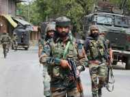 J&K: पुलवामा मुठभेड़ में मारे गए 7 कश्मीरी नागरिक, अब्दुल्ला ने कहा, 'यह नरसंहार है'