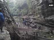 देहरादून में 115 साल पुराना ब्रिटिशकालीन पुल गिरा, हादसे में 2 की मौत