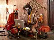 कुंभ: इस संत ने राम का नाम जपने का निकाला अनूठा तरीका, डिजिटल मशीन से ले रहे भगवान का नाम