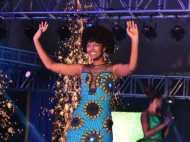 बदकिस्मत सुंदरी! खिताब जीतने के कुछ सेकेंड बाद ही Miss अफ्रीका के बालों में लगी आग, देखें VIDEO