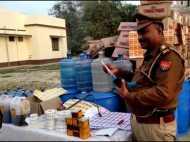 भाजपा नेता के गोदाम में चल रहा था गोरखधंधा, हजारों लीटर शराब जब्त