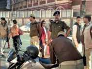 गाड़ियों पर डैड्स गिफ्ट लिखवाना पड़ा महंगा, लखनऊ पुलिस ने काटा चालान