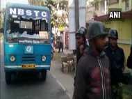 मजदूर यूनियन की हड़ताल का दूसरा दिन, पश्चिम बंगाल में प्रदर्शनकारियों ने बसों को बनाया निशाना