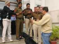 पाकिस्तान उच्चायोग के अधिकारी पर सरोजनी नगर मार्केट में महिला ने गलत तरीके से छुने का आरोप लगाया!