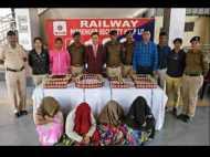 नागपुर: ट्रेन में 4 औरतों पर महिला कांस्टेबल को हुआ शक, अंडरगार्मेंट्स में रखी थीं 384 शराब की बोतलें
