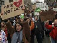 'मेरे ब्वॉयफ्रेंड से भी ज्यादा हॉट हो गई है धरती,' स्विट्जरलैंड में छात्रों ने क्लाइमेट कंट्रोल पर निकाला मार्च