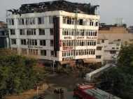 दिल्ली के जिस होटल अर्पित पैलेस में जिंदा जल गए थे 17 लोग, वहां हाथ थामे मिले शव