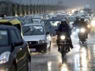 उत्तर भारत में हल्की बारिश तो गुजरात में तेज हवाएं, पढ़िए मौसम का हाल