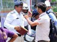 बिना हेलमेट पहने पुलिस कांस्टेबल को रोककर दिखाई 'हीरोगिरी', पहुंचा जेल