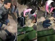 मेरठ में भीड़ ने PAC जवान को घसीट-घसीटकर पीटा, वीडियो वायरल